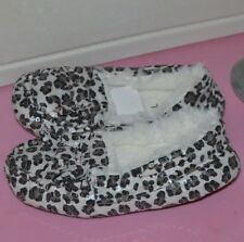 Girl's SZ M 13/1 Sequin Leopard print top bow fleece lined slippers House shoes
