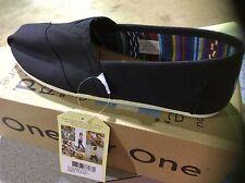 Toms Women's Classic Canvas Black Canvas Ankle-High Flat Shoe  size 6