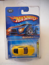 Hot Wheels 2005 First Editions Realistix 11 / 20 Aston Martin V8 Vantage Yellow