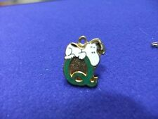 vtg snoopy pendant charm letter initial Q green 1970s peanuts schulz cartoon