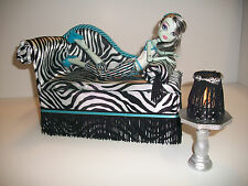 Monster High Furniture Chaise Lounge Bed + Table + Lamp for Frankie Stein