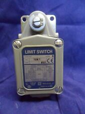New Square D 9007 TUB2 Heavy Duty Limit Switch 9007TUB Series D