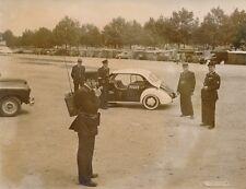 Porte de Clignancourt 1955 - Marché aux Puces 4CV Renault Police Photo de Presse