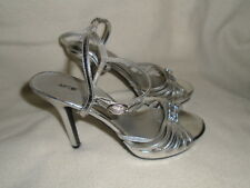 Womans Silver APT 9 Dress Shoes Open Toe High Heels With Straps Size 7 M