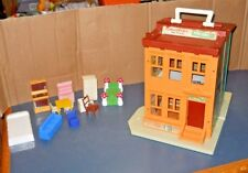 VINTAGE FISHER PRICE LITTLE PEOPLE SESAME STREET APARTMENT HOUSE PLAY SET 1974