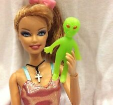 Miniature Green Alien Doll for Barbie Ken Kelly Nursery Play Toy Accessory