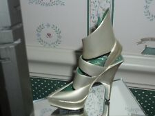 2003 JUST THE RIGHT SHOE STEP INTO YOUR FANTASIES-FIGURINE-HARD DRIVE-GOOD. CON.