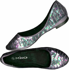 NWOB SHIMMERY  LILAC TINTED SILVERY GRAY FLAT SHOES S 35 /36