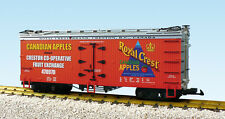 USA Trains G Scale R16321 Royal Crest Apples red/silver