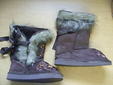 Ladies Boots brown faux fur lined, size UK 4, EU 37, sequins on the front 3342