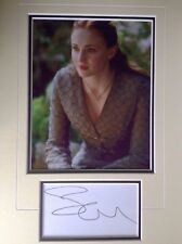 SOPHIE TURNER - GAME OF THRONES - SANSA STARK  - EXCELLENT SIGNED COLOUR DISPLAY