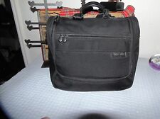 Briggs & Riley TOILETRIES CASE  BRIGGS CASE CARRY ON BRIGGS GYM BAG OVERNITE BAG