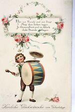 16237 Kitsch AK Geburtstagswünsche, geprägt, Kind mit Trommel, Blumen um 1915