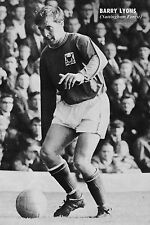 Football Photo BARRY LYONS Nottingham Forest 1969-70