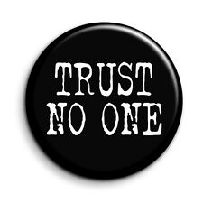 X Files Trust No One 38mm/1.5 inch TV Quote Button Magnet