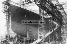 rp00946 - White Star Liner - Titanic being built - photo 6x4