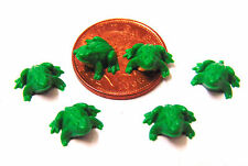 1:12 Scale Six Plastic Frogs Dolls House Miniature Garden Pet Fairy Accessory