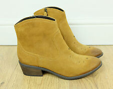 CLARKS Plus MOONLIT COOL Honey Tan Brown Suede Leather Western Boots, Size UK 7