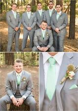 2016 Light Grey Groomsmen Suits Groom Tuxedos Notch Lapel Best Man Wedding Suit