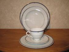 WINTERLING BAVARIA *NEW* PALISSY BLEU Set 3 assiettes + 1 tasse à thé a/souc.