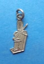 VINTAGE LONDON SOLDIER GRENADIER FLAT TRAVEL SHIELD SILVER CHARM