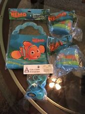 8 Finding Nemo Cup Cake Rings Topper 4 treat boxes and 2 crepe papers