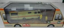 1:64 GreenLight *BREAKING BAD* DIORAMA 1986 Fleetwood Bounder RV Camper FIGURES