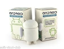 Android MINI collectible Standard Edition DIY from Andrew Bell and Dyzplastic