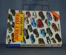 D390  LIVRE DINKY TOYS ARGUS 2007 BROCHARD   1100 PHOTOS