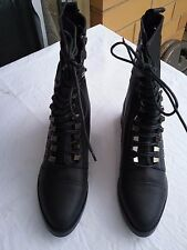 Her Majesty Ladies Boots Black Size7