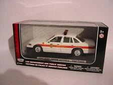 Ford Crown victoria Fire Chief, 1:24, MotorMax, neuf