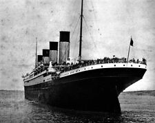 New 8x10 Photo: Stern view of the Ill-Fated White Star Liner RMS TITANIC, 1912