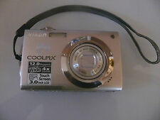 Nikon COOLPIX S4000 12,0 MP Digitalkamera - silber Silver