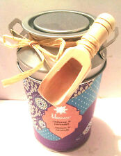 Lila Grace 17.6oz Jasmine & Lavender Bath Crystals Gift Can w/Wooden Scoop, New