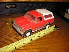 Vintage 1/32 ? 1980's Ford Bronco 4x4 white top 4 parts restore or slot car body