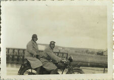 PHOTO ANCIENNE - VINTAGE SNAPSHOT - MOTO MOTOCYCLETTE COUPLE - MOTORBIKE