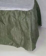 JC Penney Home Collection Twin Bed skirt Green/White FREE SHIPPING  A432