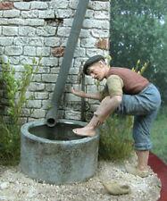 1/35 Echelle Homme lave ses pieds dans un tube - Personnage se lavant les