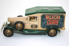 LLEDO DG22 1933 PACKARD PANEL Van in WALKERS CRISPS Livery MIB