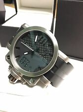 LIKE NEW Oakley Gearbox 10-042 Watch Titanium Unobtainium & Carbon Fiber Dial