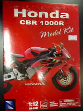 New Ray Honda CBR1000R 1:12 rood (easy kit)