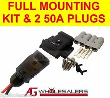 ANDERSON PLUG 50A MOUNTING KIT & LEAD END COVER DUST CAP + 2 PLUGS. DUAL BATTERY