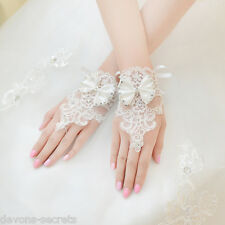 Ladies white lace diamante fingerless hand short wrist bridal wedding gloves WG3