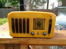 """Emerson EP 375 catalin radio """"five + one"""" model in yellow and brown,  plays!"""