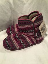MUK LUKS SLIPPERS WOMENS KNIT SLIPPER BOOTS SIze 7-8 New Burgundy