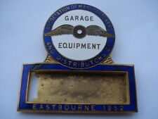 1952 ASSOCIATION OF MANUFACTURERS AND DISTRIBUTORS OF GARAGE EQUIPMENT PIN BADGE