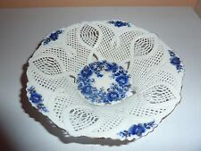 SUMI ROMANIAN  15.1CMDIAM ART POTTERY LATTICE WEAVED BOWL WITH BLUE/GILT FLOWERS