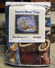 New Disney Parks MICKEY & Friends Christmas Holiday Tapestry Throw Blanket