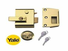 Yale P2 con bloqueo doble 40mm Noche Pestillo Nightlatch & Cilindro en latón pulido