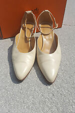 *HERMES* VINTAGE CREAM COURT SHOES (38.5)